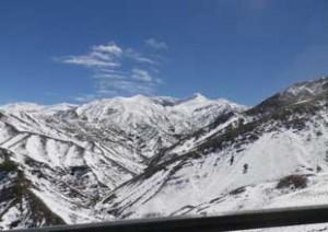 雪のアトラス山脈にはスキー場もあります